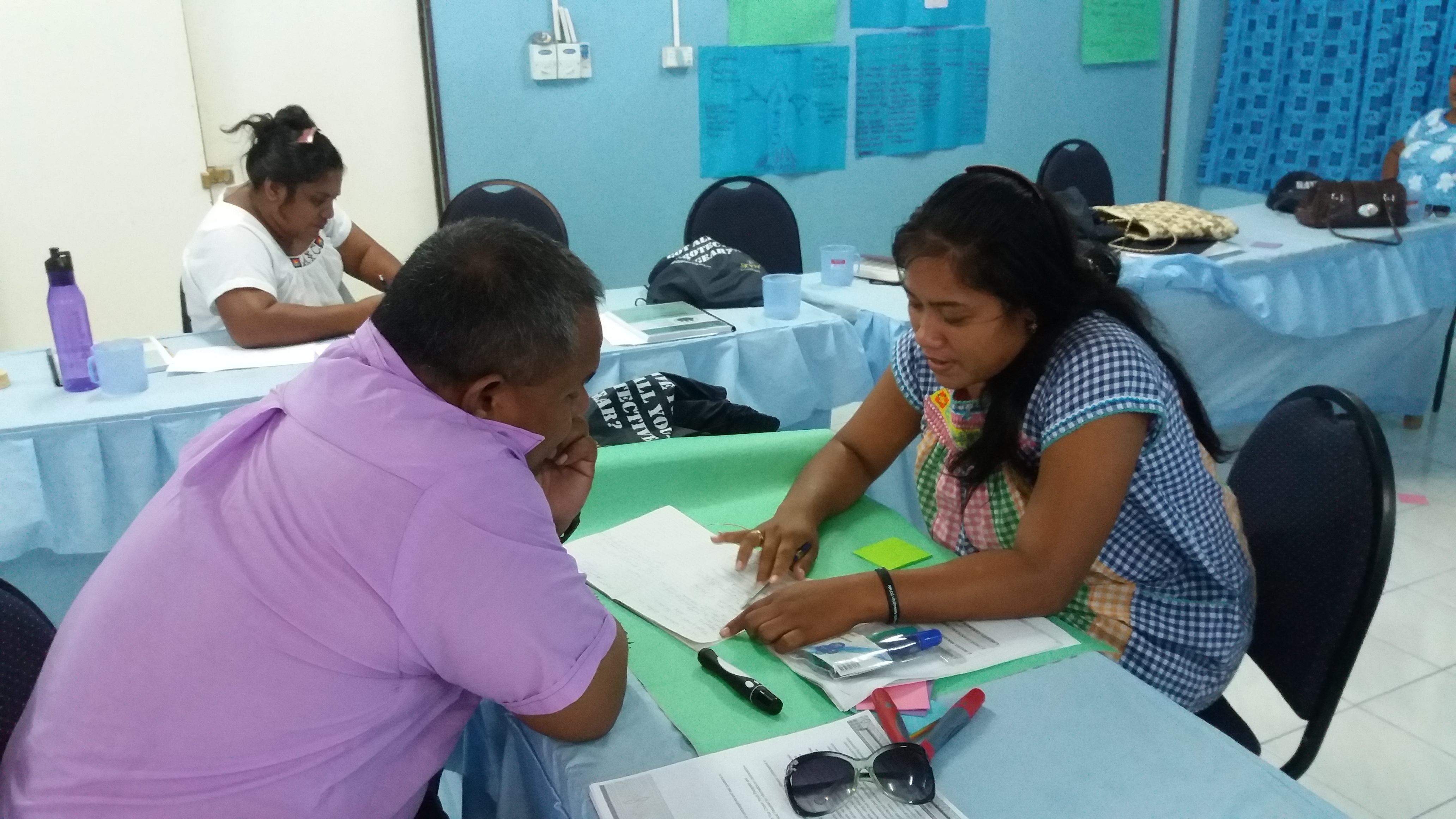 Health Promoters run workshop in Kiribati